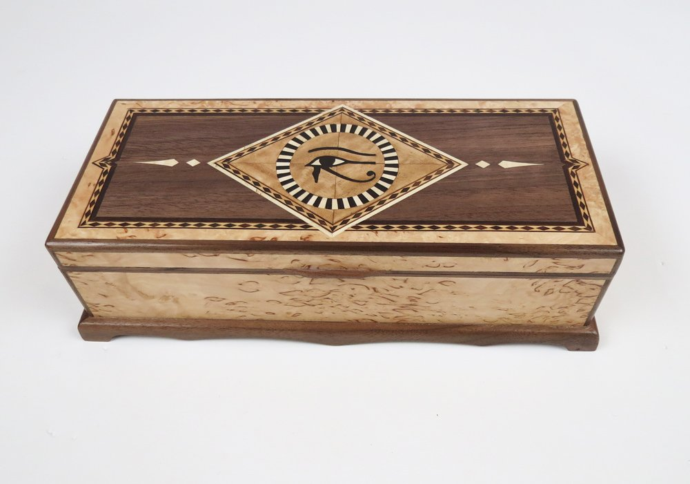 Jewellery box with Masur Birch veneer and marquetry inlay