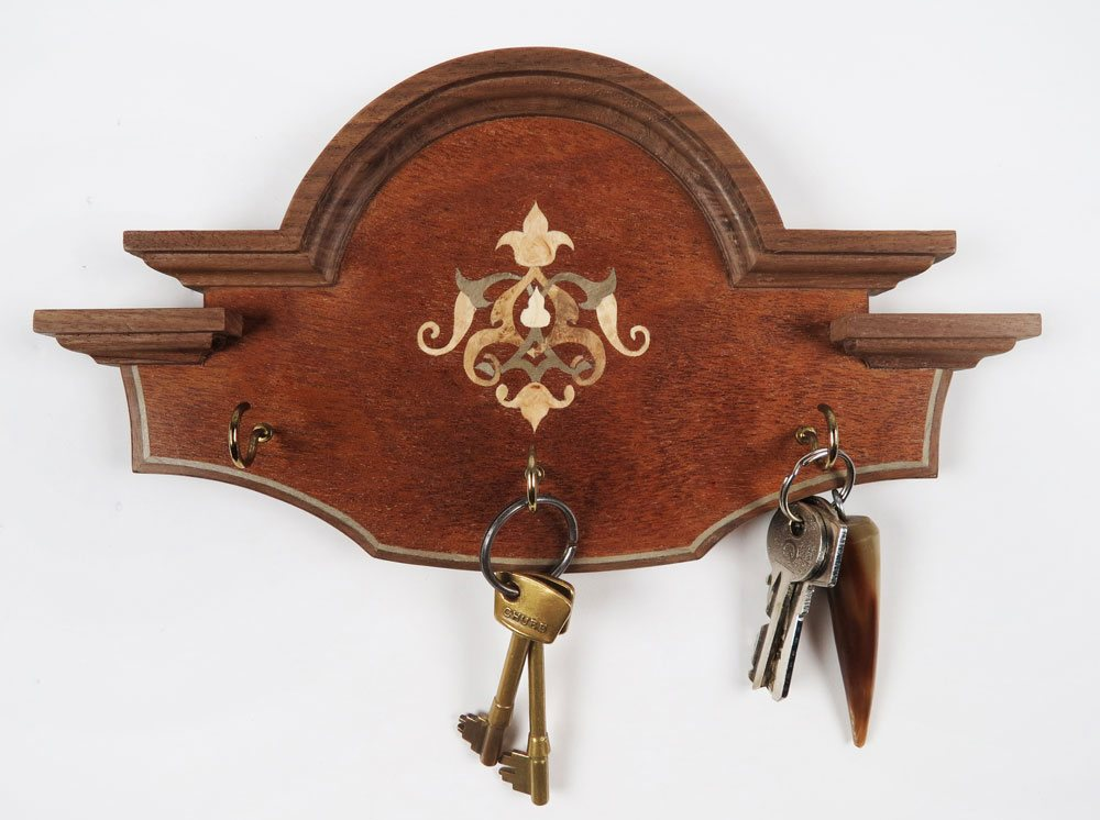 Key holder with Islimi marquetry inlay